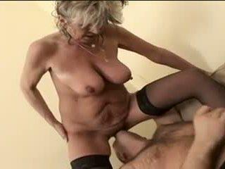 Sıcak jinekolojik alena sits üzerinde güçlü kadın ve takes bir büyük bir