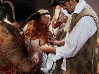 Trina michaels got double penetrated līdz pirates