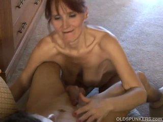 Dun oud spunker loves naar zuigen lul en eten sperma: porno 37