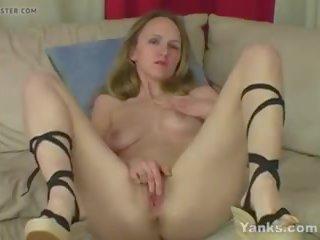 Yanks Blondie Janie Lynn Fingers Her Pussy: Free Porn 6e