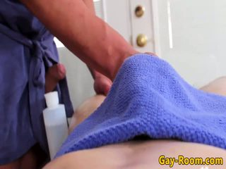 Pijat benda yang mengairahkan seks atlit bumfucking
