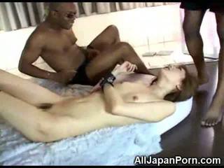 Japans meisje vs zwart cocks!