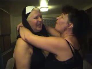 Vecmāmiņa orgija