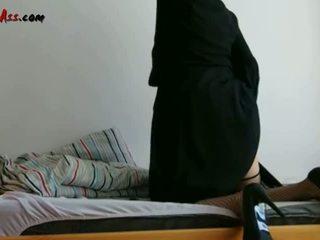 Niqab anaali solo päällä sohva