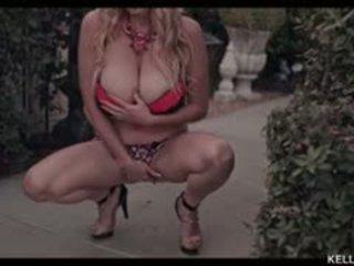 Kelly madison wants sinua kohteeseen appreciate hänen fabulous rinnat