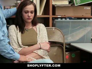 Shoplyfter - 媽媽 和 女兒 抓 和 性交 為 stealing