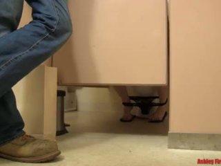 ห้องน้ำ bangin (modern ต้องห้าม ครอบครัว) <span class=duration>- 17 min</span>
