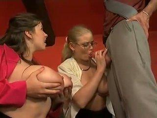 lielas krūtis, tūpļa, nobriedis