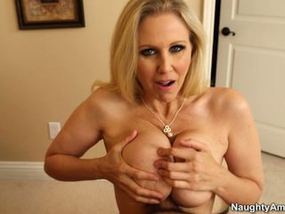 Sleaze pirang buta rack mom aku wis dhemen jancok julia ann titfucks her sons tutor