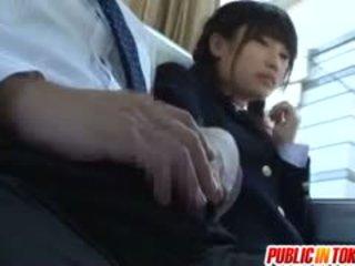 Разкошен тийн ученичка has шега езда хуй на а автобус