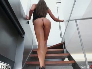 watch brunette more, great cumshots, online doggystyle check