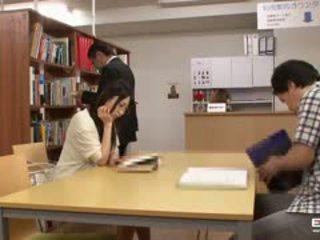 Oral kuliste students becerdin içinde the kütüphane