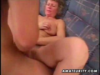 Rijpere amateur vrouw thuis neuken surrounding cumshot