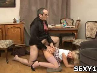 Naakt meisjes opens benen naar krijgen piemel