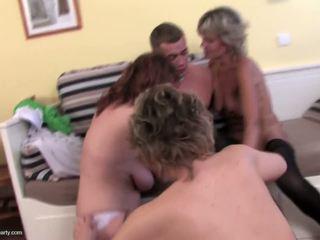 Echt mutter saugen und fick glücklich sohn, kostenlos porno 0e