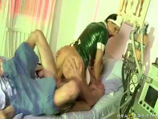Wideo z pielęgniarka has seks z dude