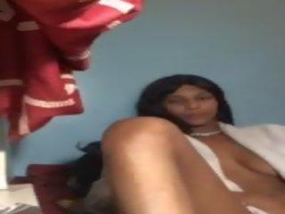 Blackgirl masturbate: pašdarināts porno video 76