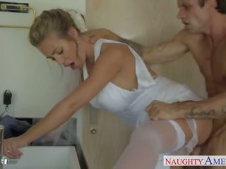 Seksi si rambut perang pengantin perempuan nicole aniston seks / persetubuhan