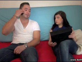 Ze has af zijn blue shirt