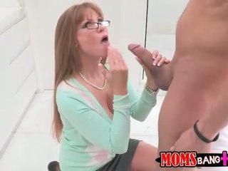 Seksi berpayu dara besar ibu tiri darla crane gets beliau pantat/ punggung fucked