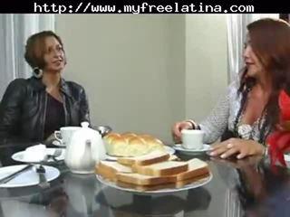 Braziliaans mam en stepson latina cumshots latijn slikken braziliaans mexicaans spaans