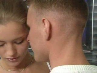 ホット ドイツ語 ロシア ティーン で オフィス セックス アクション