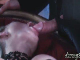 Sekss meitenes vidoes kad a vīrietis kiss viņiem uz viņai mute