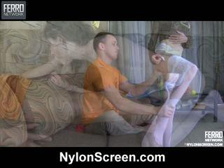 Agatha connor nylon duo in actie