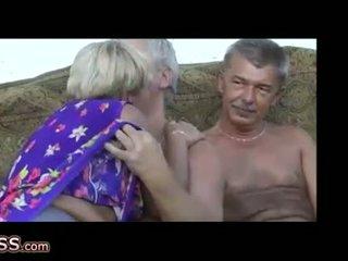 Omapass louca grannies masturbation com brinquedo