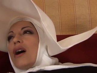 Forró anális olasz apáca: ingyenes bevállalós anyuka porn videó f4
