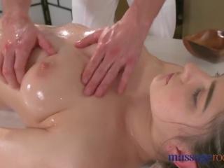 Masazh rooms nxehtë brune has squirting orgazëm para mirë qirje
