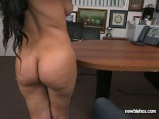 brunetka, wielkie cycki
