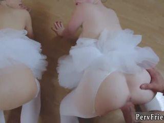 Augs sekss pirmais laiks ballerinas