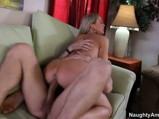 Bigtitted voisin, abbey brooks