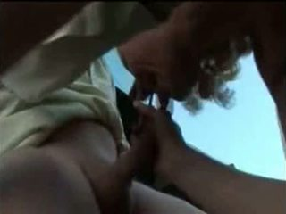 Dona de casa caindo de boca na piroca