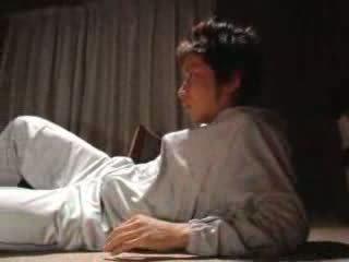 Japānieši puika fucks viņa solis māte video