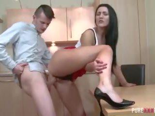 Seksikäs thick stepsister
