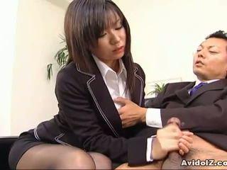 Sexy secretary Satomi Maeno sucks an ugly dick!
