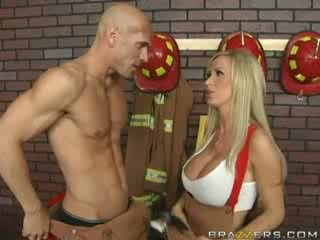 nice big boobs Iň beti, ideal tittyjob, you huge tits great