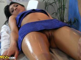 Skaties karstās meitene erotisks masāža aina