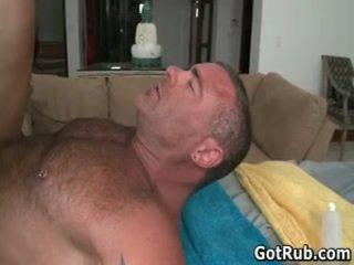 Seksualu eržilas gauti jo nuostabus kūnas massaged ir varpa sucked 48 iki gotrub
