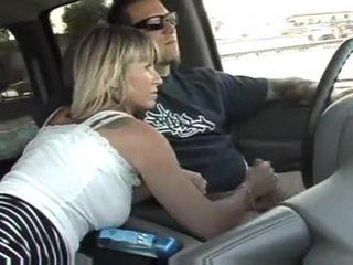 Falas shtëpi i bërë goditje punë në një makinë