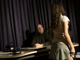Anita seduces и fucks тя музика учител