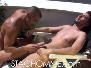 Heat stroke. muscle boys gets a oralno delo delo