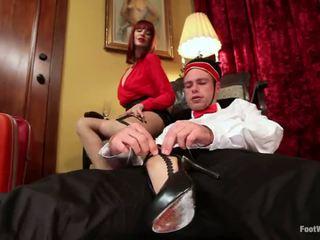 Hotel guest maitresse madeline dominates yang bellboy dalam kaki fetish /ketagihan erotik vid