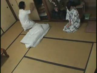Giapponese casalinga massaggio cazzo video