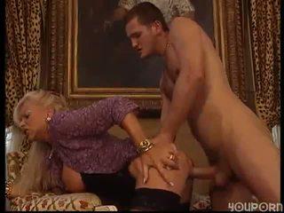 gros seins, mature, les mamans et les garçons