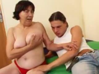 Haarig oma r20: kostenlos reif porno video 4a