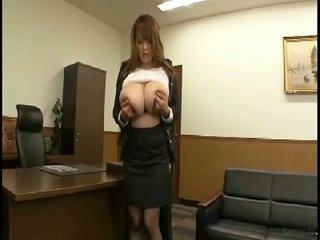 Massiivinen tiainen japanilainen gets fondled