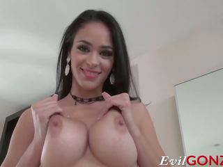 Heiß latina jasmine caro gets sie tender muschi pounded